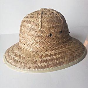 Safari straw hat great condition